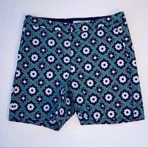 Boden size 4 geometric print casual short